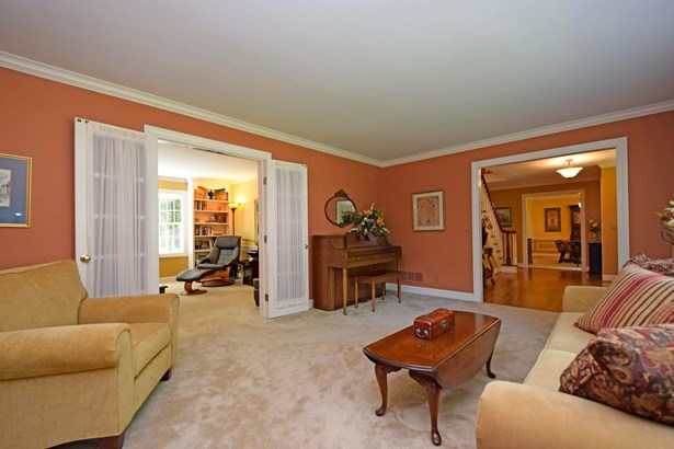 Single Family Residence, Traditional - Symmes Twp, OH (photo 4)