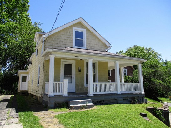 Single Family Residence, Traditional - Fairfax, OH (photo 1)