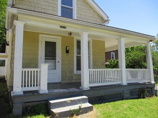 Single Family Residence, Traditional - Fairfax, OH (photo 2)