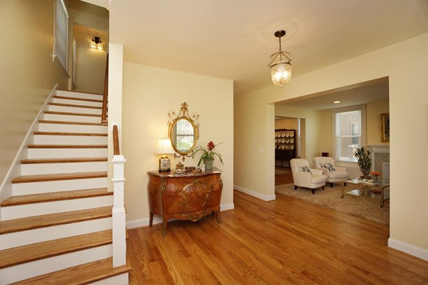 Single Family Residence, Victorian - Norwood, OH (photo 5)