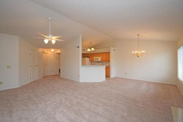 Condominium, Traditional - Springfield Twp., OH (photo 4)