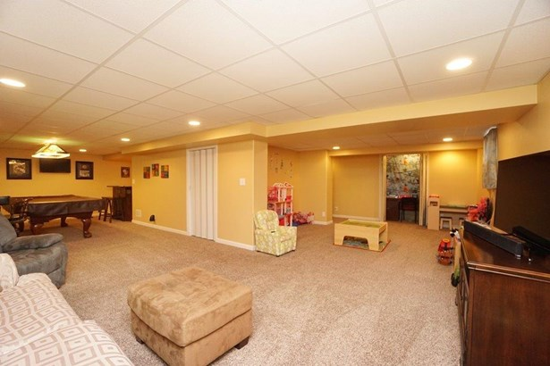 Transitional, Single Family Residence - Monroe, OH (photo 2)