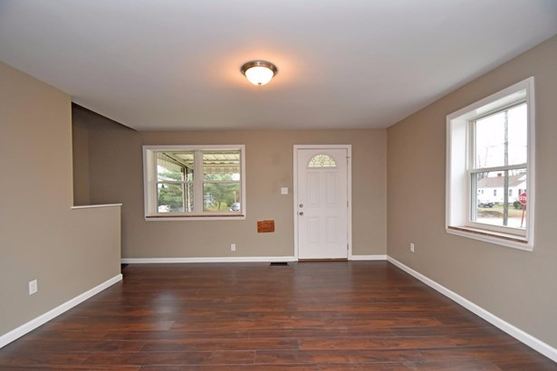 Cape Cod, Single Family Residence - Sycamore Twp, OH (photo 3)