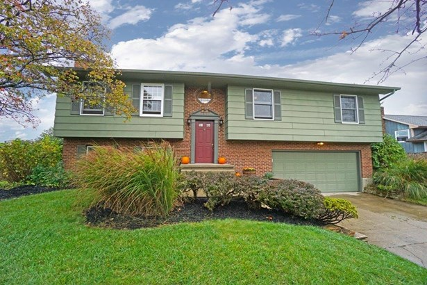 Transitional, Single Family Residence - Middletown, OH (photo 1)