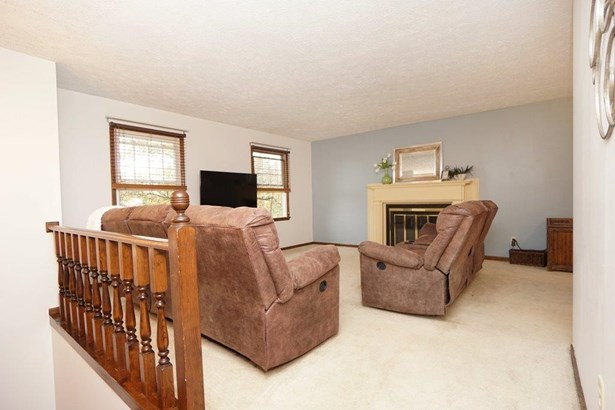 Transitional, Single Family Residence - Middletown, OH (photo 3)
