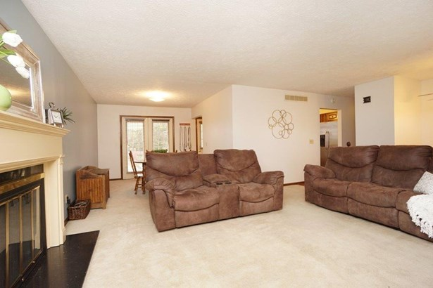 Transitional, Single Family Residence - Middletown, OH (photo 4)