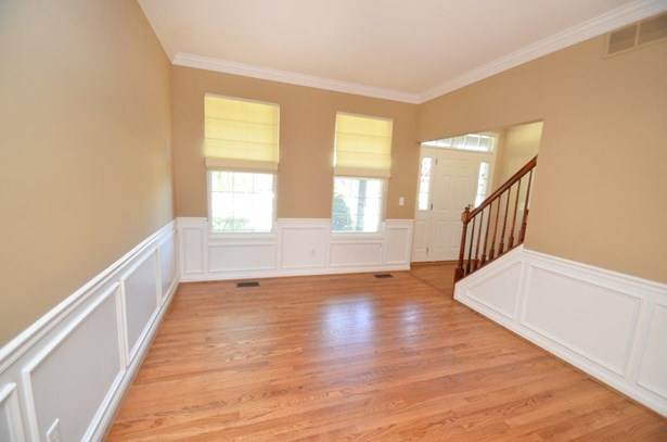 Single Family Residence, Traditional - Hamilton Twp, OH (photo 4)