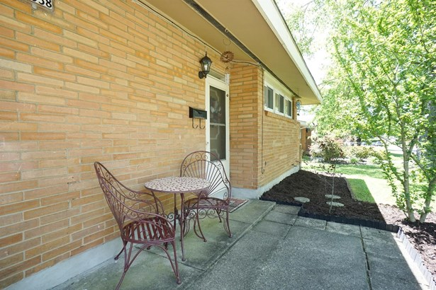Single Family Residence, Ranch - Forest Park, OH (photo 2)