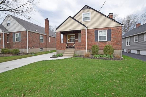 Cape Cod, Single Family Residence - Fairfax, OH (photo 2)