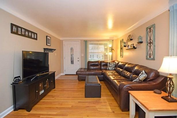 Cape Cod, Single Family Residence - Fairfax, OH (photo 5)