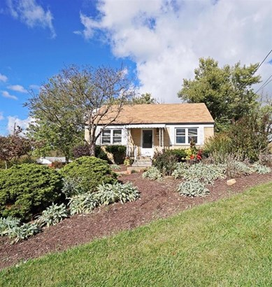 Cape Cod, Single Family Residence - Green Twp, OH (photo 1)