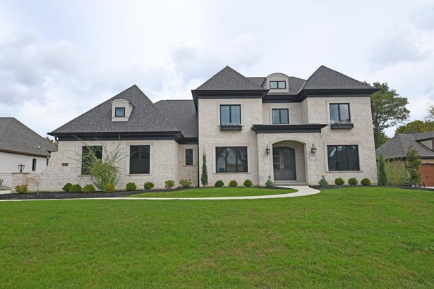 Single Family Residence, Traditional - Green Twp, OH