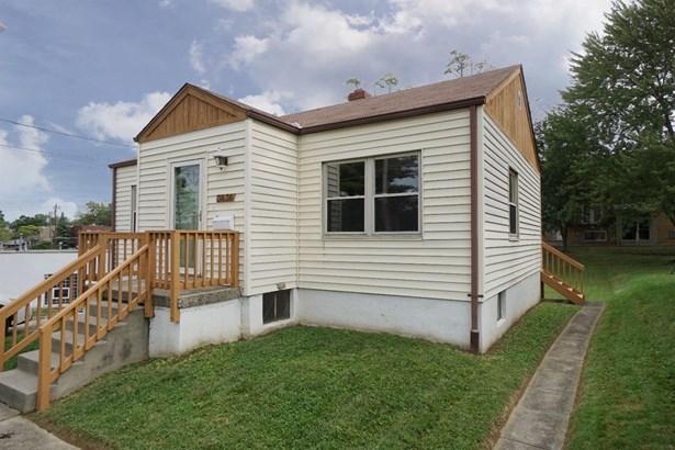Single Family Residence, Ranch - Cheviot, OH (photo 2)