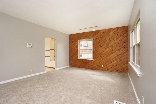 Single Family Residence, Ranch - Cheviot, OH (photo 4)