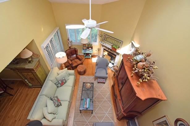 Transitional, Condominium - Milford, OH (photo 5)