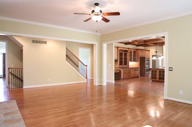 Single Family Residence, Traditional - Miami Twp, OH (photo 2)