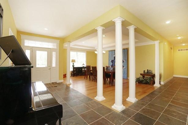 Single Family Residence, Ranch,Transitional - Hamilton, OH (photo 2)
