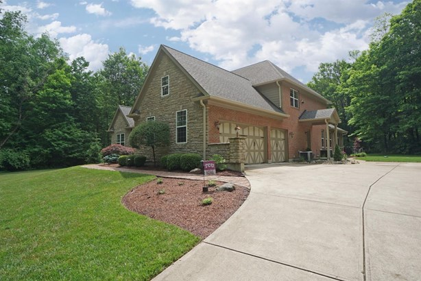 Single Family Residence, Traditional - Turtle Creek Twp, OH (photo 2)