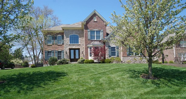 Transitional, Single Family Residence - Symmes Twp, OH (photo 1)
