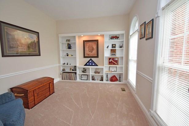 Single Family Residence, Traditional - Hamilton Twp, OH (photo 2)