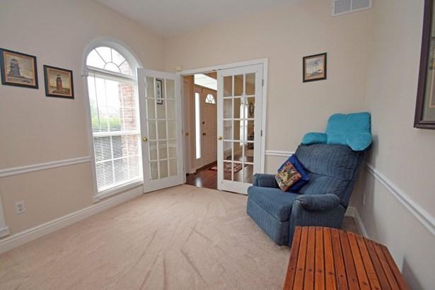 Single Family Residence, Traditional - Hamilton Twp, OH (photo 3)