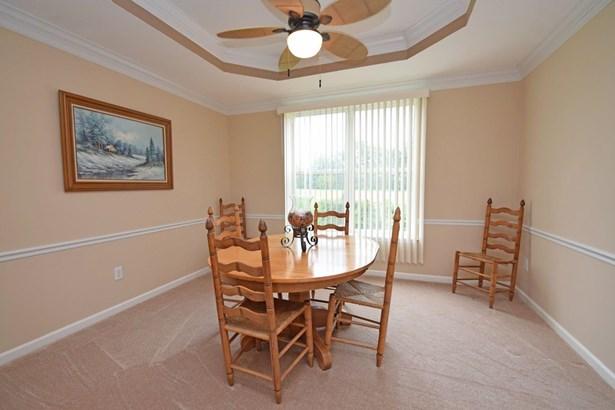 Single Family Residence, Traditional - Hamilton Twp, OH (photo 5)