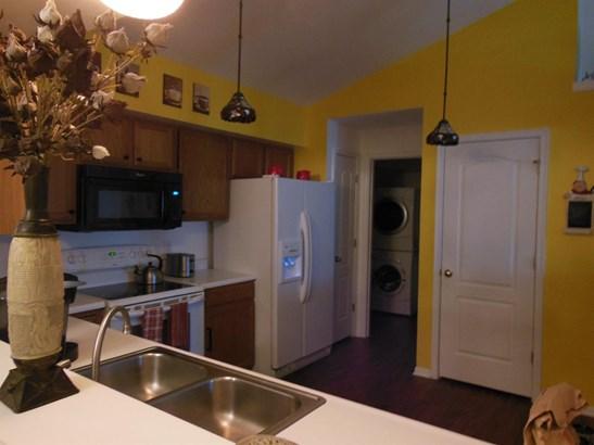 Transitional, Condominium - Sharonville, OH (photo 2)