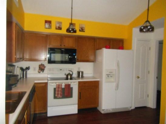 Transitional, Condominium - Sharonville, OH (photo 3)