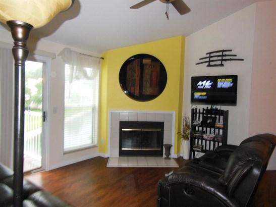 Transitional, Condominium - Sharonville, OH (photo 4)
