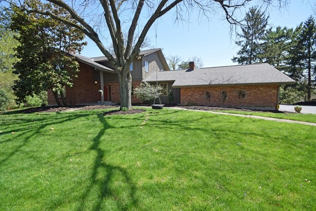 Transitional, Single Family Residence - Wyoming, OH (photo 1)