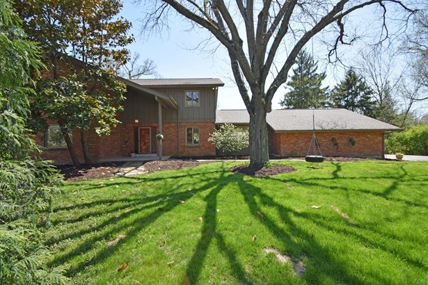 Transitional, Single Family Residence - Wyoming, OH (photo 2)