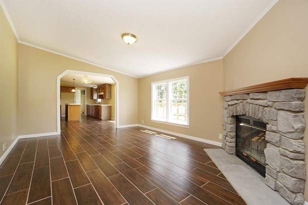 Single Family Residence, Ranch - Sterling Twp, OH (photo 5)