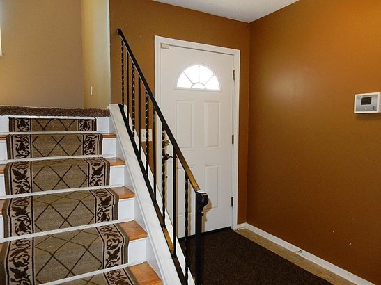 Single Family Residence, Traditional - Forest Park, OH (photo 2)