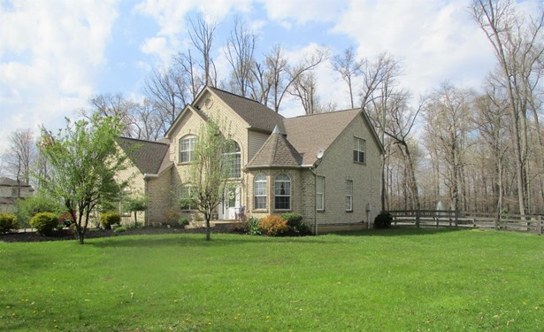 Single Family Residence, Traditional - Jackson Twp, OH (photo 1)