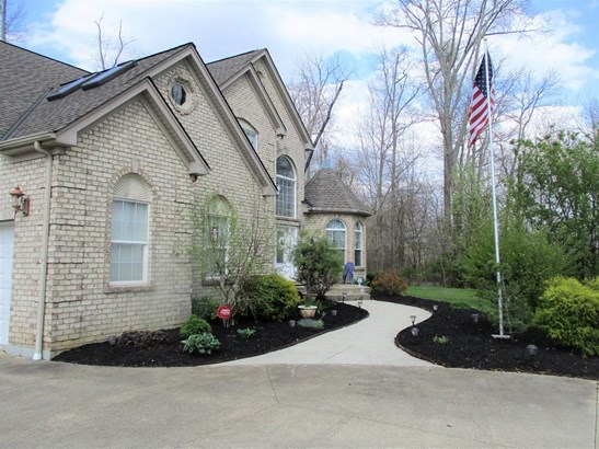 Single Family Residence, Traditional - Jackson Twp, OH (photo 2)