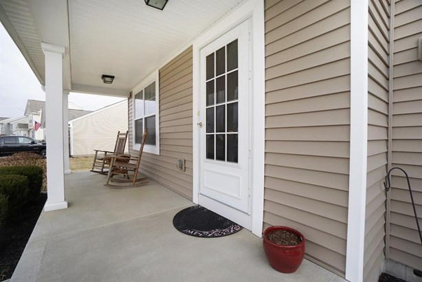 Transitional, Single Family Residence - Maineville, OH (photo 2)
