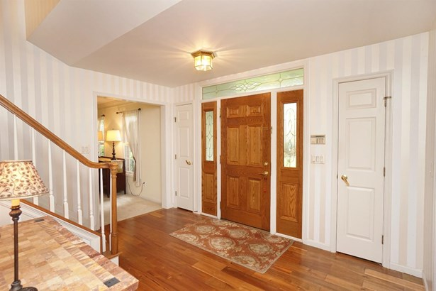 Single Family Residence, Traditional - Symmes Twp, OH (photo 3)