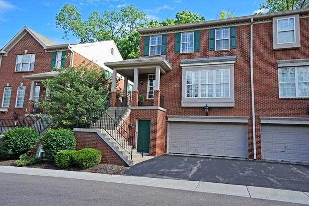 Condominium, Traditional - Blue Ash, OH (photo 1)
