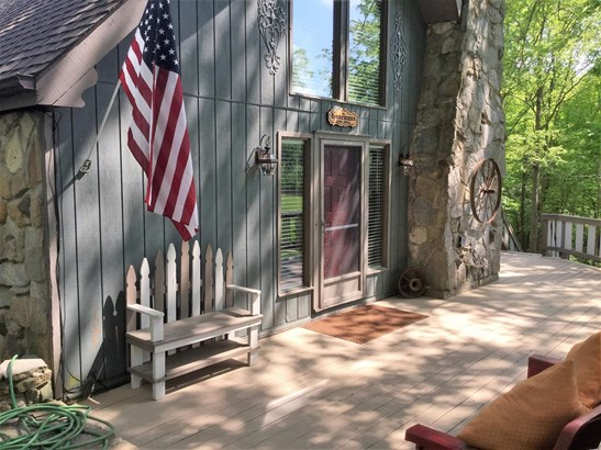 Transitional, Single Family Residence - Washington Twp, OH (photo 5)