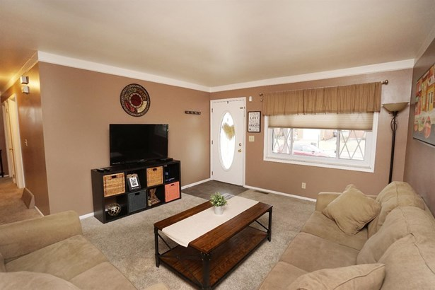 Single Family Residence, Ranch - Colerain Twp, OH (photo 2)