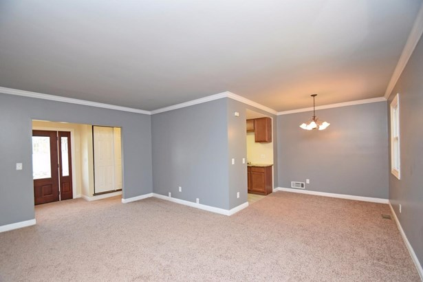 Ranch,Traditional, Single Family Residence - Springfield Twp., OH (photo 4)