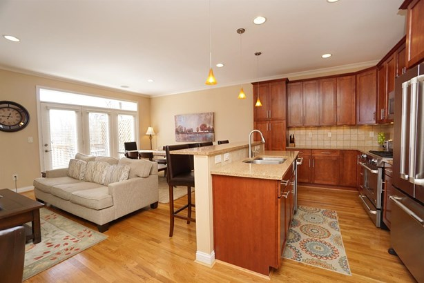 Condominium, Traditional - Fairfax, OH (photo 3)