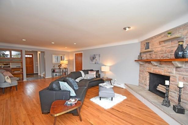 Single Family Residence, Contemporary/Modern,Transitional - Cincinnati, OH (photo 3)