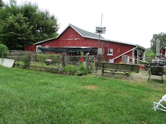 Single Family Residence, Traditional - Wayne Twp, OH (photo 4)