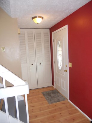 Single Family Residence, Traditional - Fairfield, OH (photo 2)