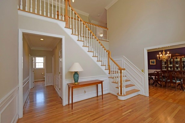 Single Family Residence, Traditional - Madeira, OH (photo 2)