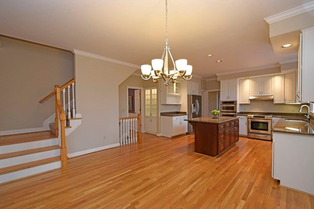 Single Family Residence, Traditional - Madeira, OH (photo 5)
