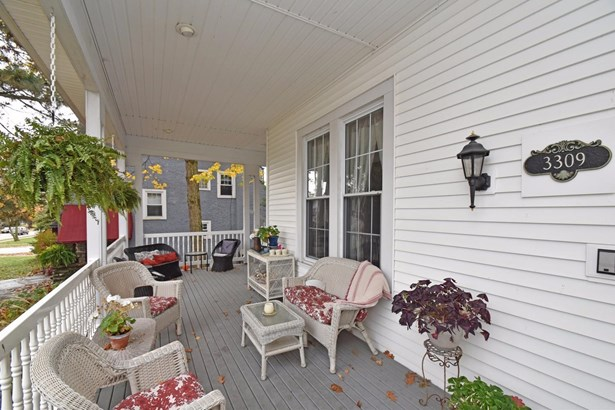 Single Family Residence, Traditional,Victorian - Cincinnati, OH (photo 2)
