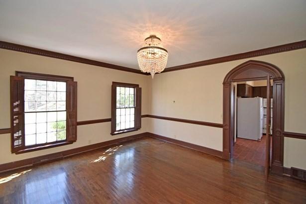Single Family Residence, Colonial - Cincinnati, OH (photo 4)