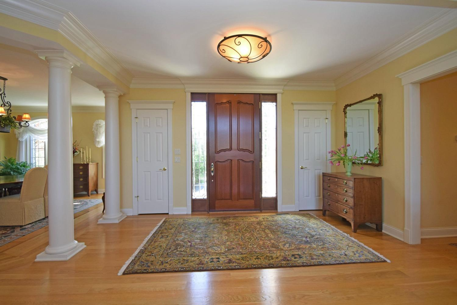 Transitional, Single Family Residence - Indian Hill, OH (photo 3)